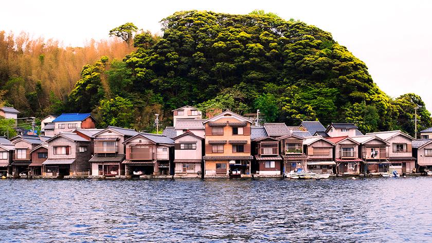 遊覧船から見た伊根の舟屋