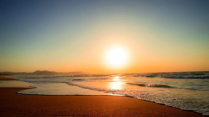 夕日が浦海岸の夕日