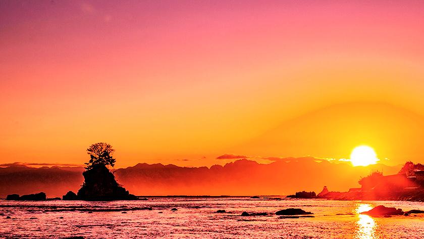 雨晴海岸の初日の出