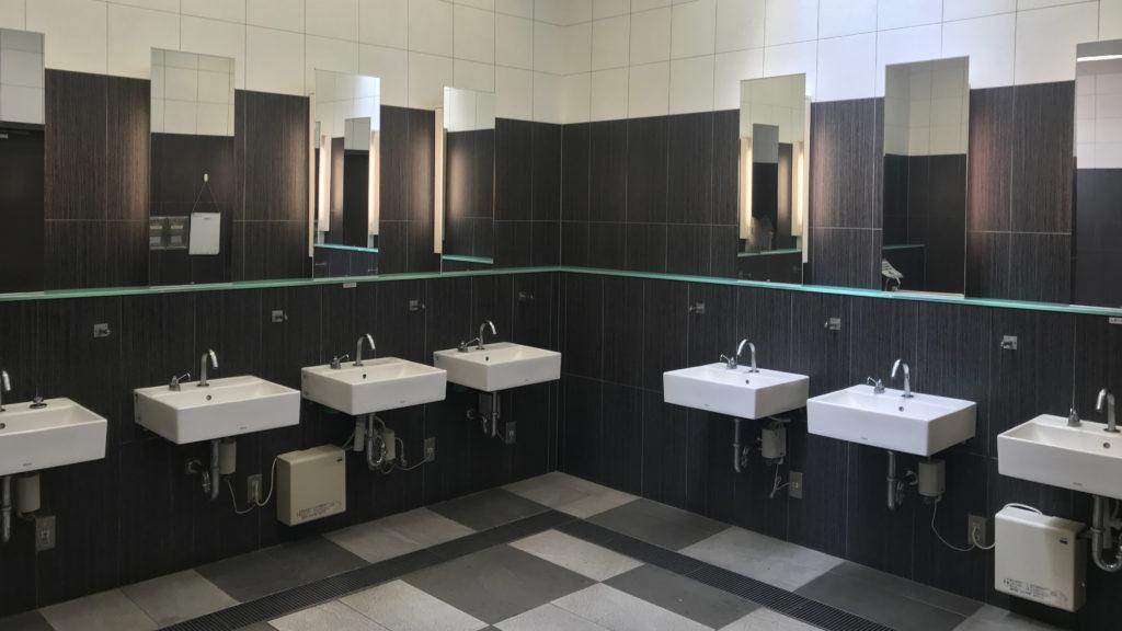 淡路サービスエリア(下り)の男子トイレ